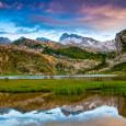 Volvemos a los Picos de Europa, y a los lagos de Covadonga, un lugar emblemático para los amantes de la naturaleza en España. Cuando a finales de junio nos acercamos […]