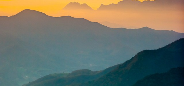Hoy nos vamos a ver un atardecer a uno de los valles cántabros más bonitos, el valle de Cabuérniga, en una fotografía de Javier Abad. Revisando fotografías de hace casi […]