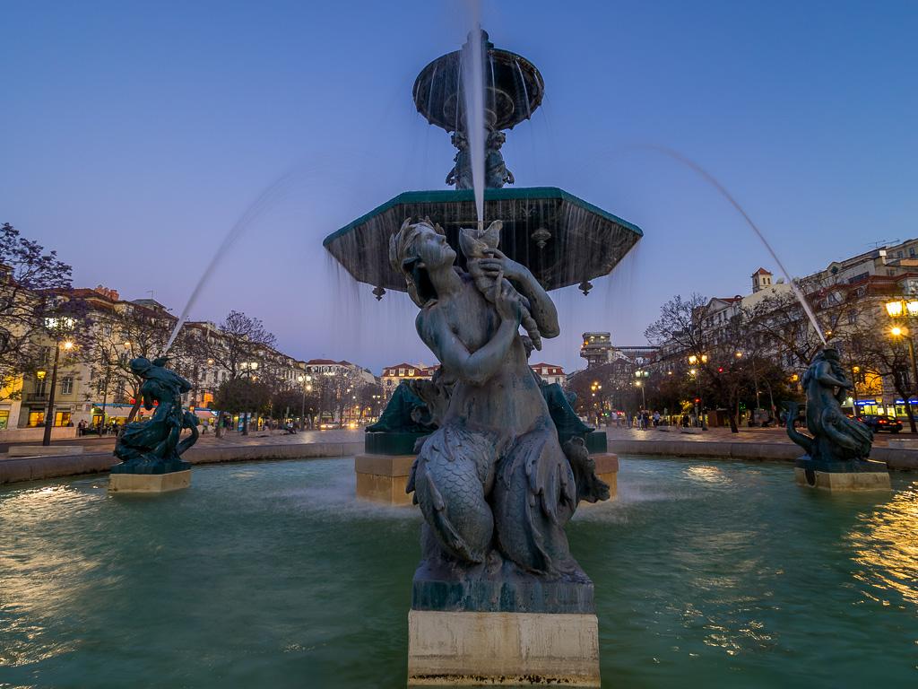 Sirena.Fuente de la Plaza de Rossio, Lisboa