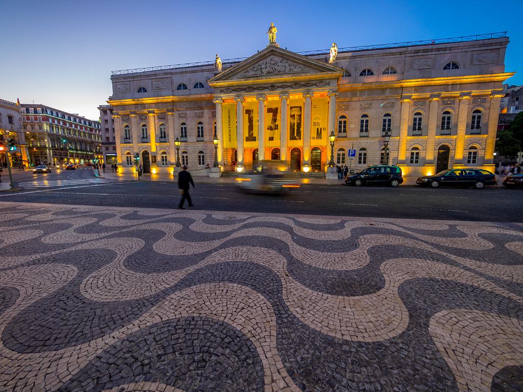 Fachada del Teatro Nacional Doña María II, Plaza do Rossio, Lisboa