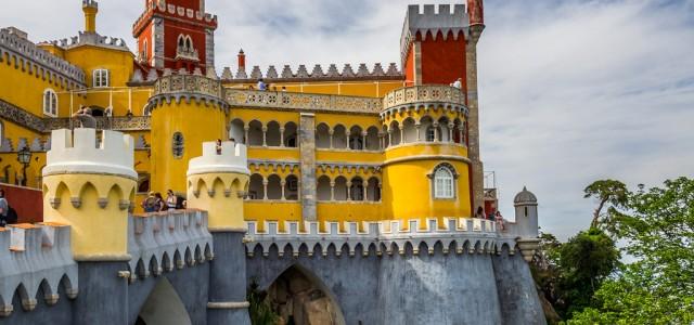 Hoy nos vamos a Sintra, una localidad situada a poco más de media hora en coche desde Lisboa, y uno de los lugares más visitados de todo Portugal. Uno de […]