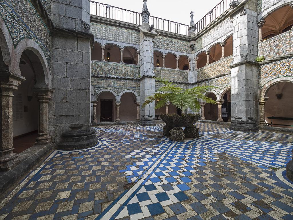 Patio de los Arcos, Palacio da Pena. Sintra