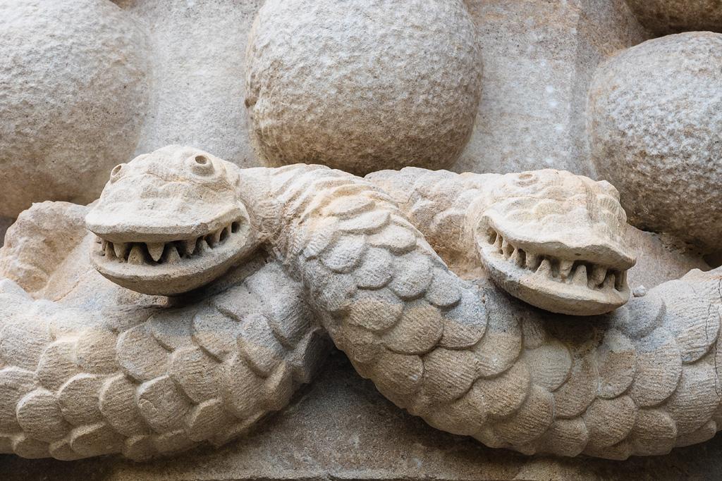 Serpientes esculpidas. Palacio da Pena, Sintra
