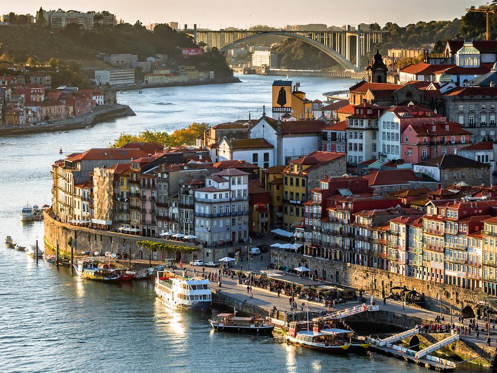 Ribeira y el puente de la Arrabida, Oporto