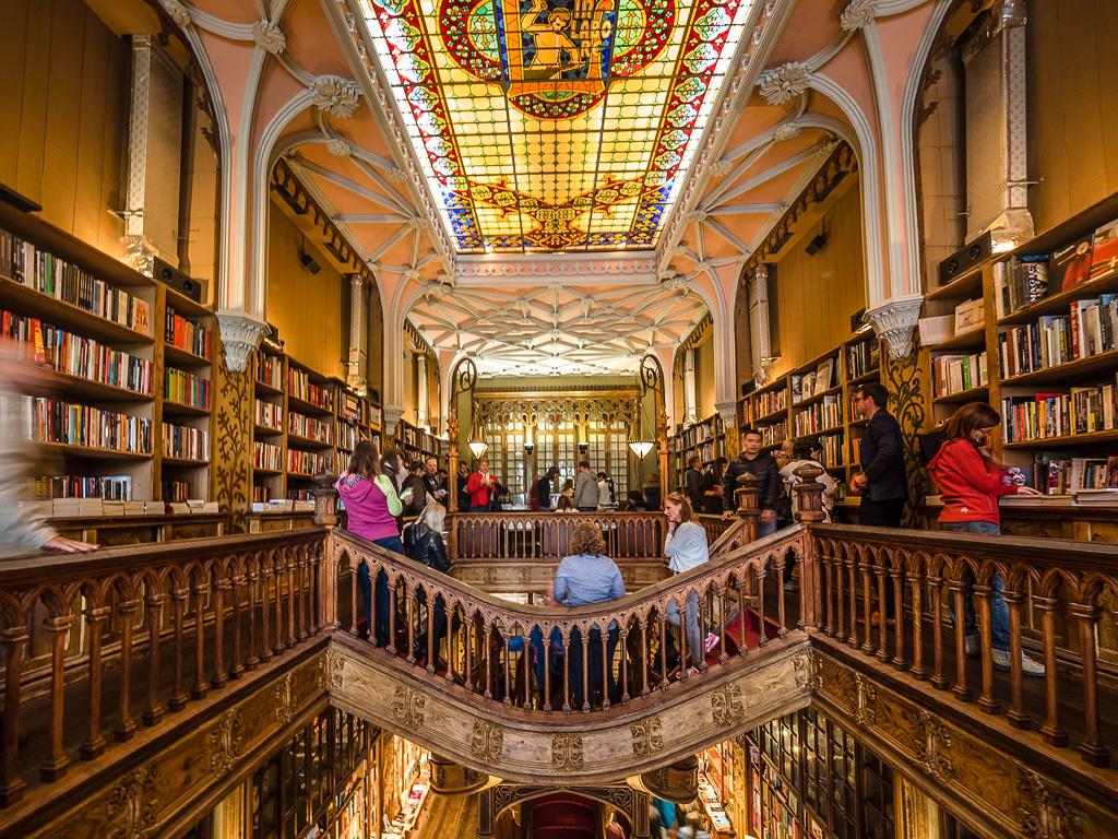 Segundo piso Libreria Lello e Irmão, Oporto