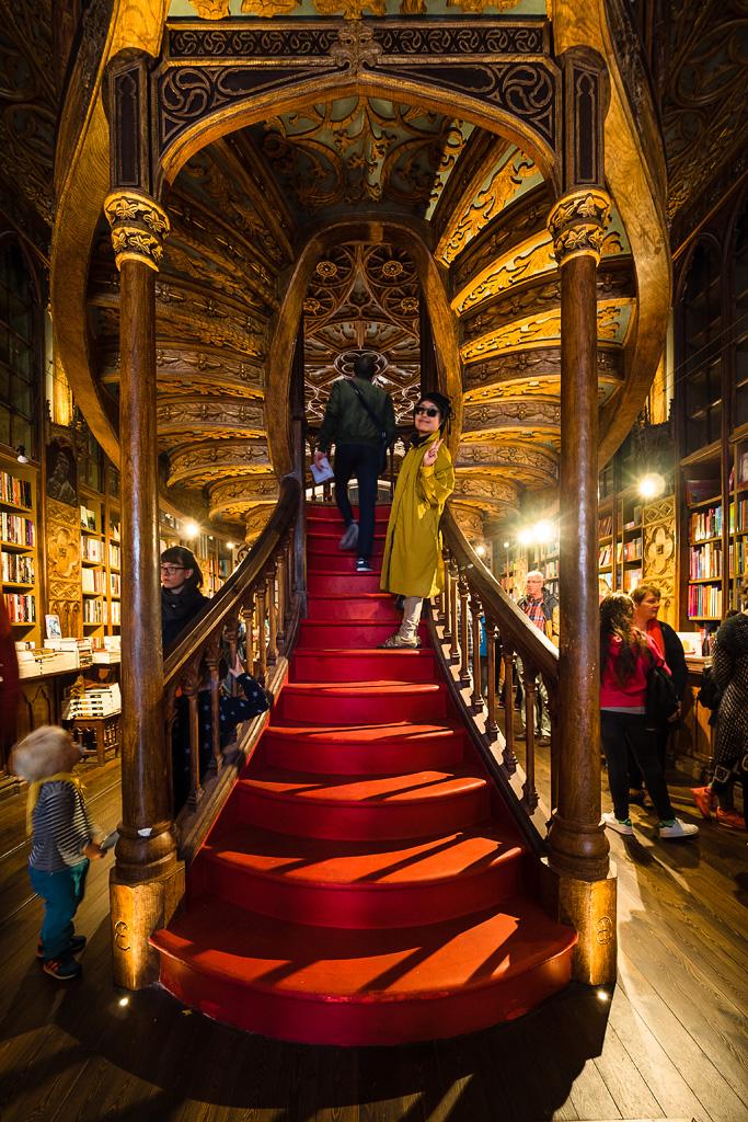 Escalera de la Libreria Lello e Irmão, Oporto